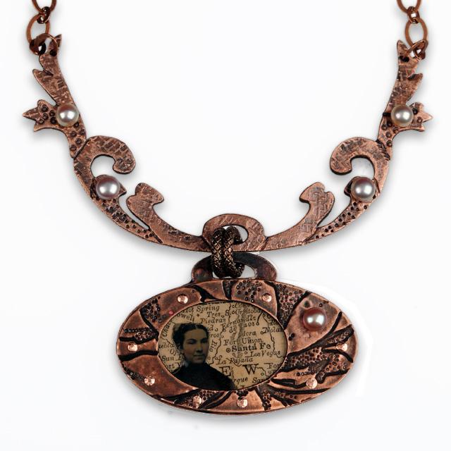 O, Pioneer Necklace by Jonna Faulkner.  Photograph by Steve Rossman.